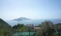 Massa Lubrense, Loc Termini, vendesi panoramica soluzione indipendente con piccolo giardino.