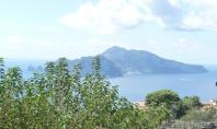 Massa Lubrense Vendesi Palazzotto indipendente vista Capri