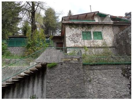 MONTE FAITO, in posizione dominante vendesi villino su due livelli con giardino