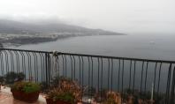 Vico Equense, Seiano, Punta Scutolo, affittasi per periodi brevi e/o transitori, piccolo appartamento con terrazzo panoramicissimo.