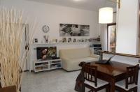 Sant'Agata, centralissimo, vendesi rifinito e grazioso appartamento con posto auto