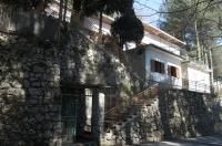 MONTE FAITO, centralissima, vendesi villa su due livelli