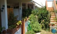 SORRENTO, centralissimo, in contesto residenziale e tranquillo, vendesi rifinito e luminoso appartamento con giardino