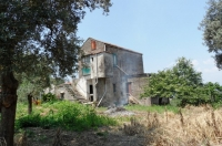 PIANO DI SORRENTO, zona semi centrale, vendesi panoramicissimo casale colonico con giardino