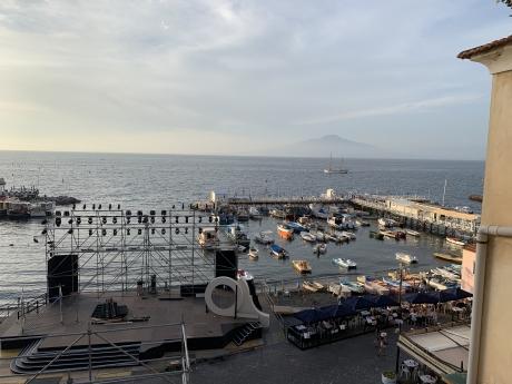 SORRENTO, MARINA GRANDE, vendesi appartamento sul mare