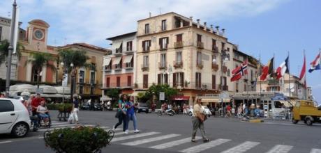Sorrento corso italia in posizione centralissima for Solo affitti locali commerciali roma